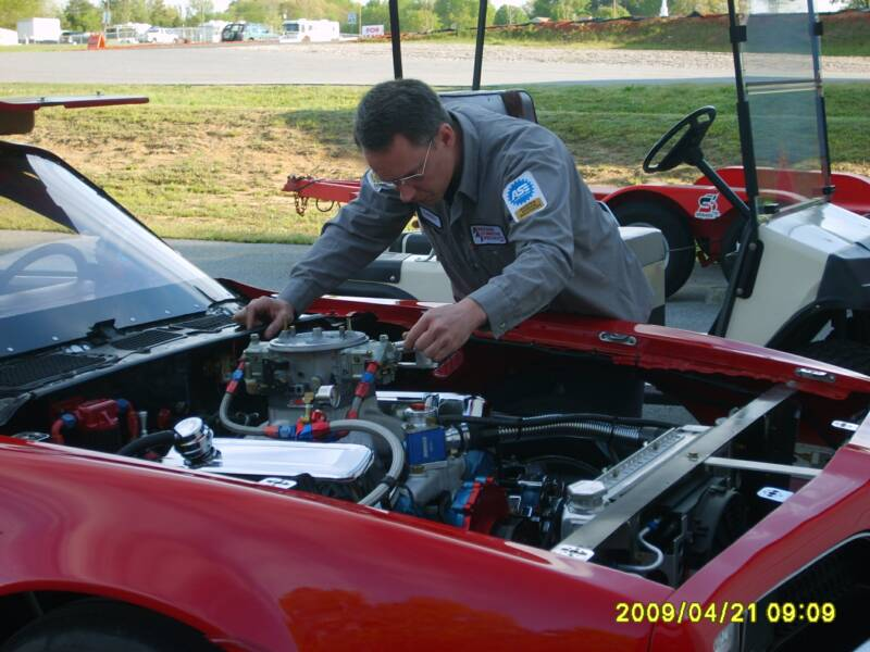 Larry Snyder Tuning a Pontiac 474 Race Engine